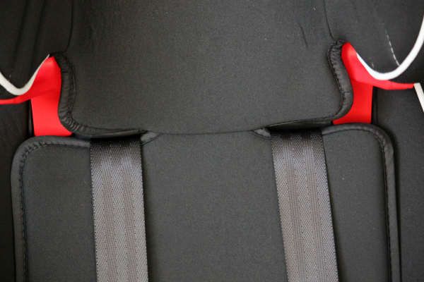 Easy To Adjust The Ultra Simply Safe Harness System Adjusts And Headrest Together With No Time Consuming Rethreading 10