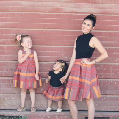 Mother-Daughter Photos in JOEY et CHLOE Matching Dresses