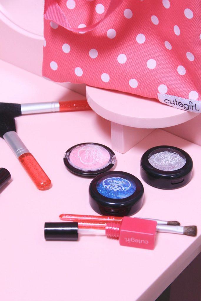 Cutegirl cosmetics - fake makeup