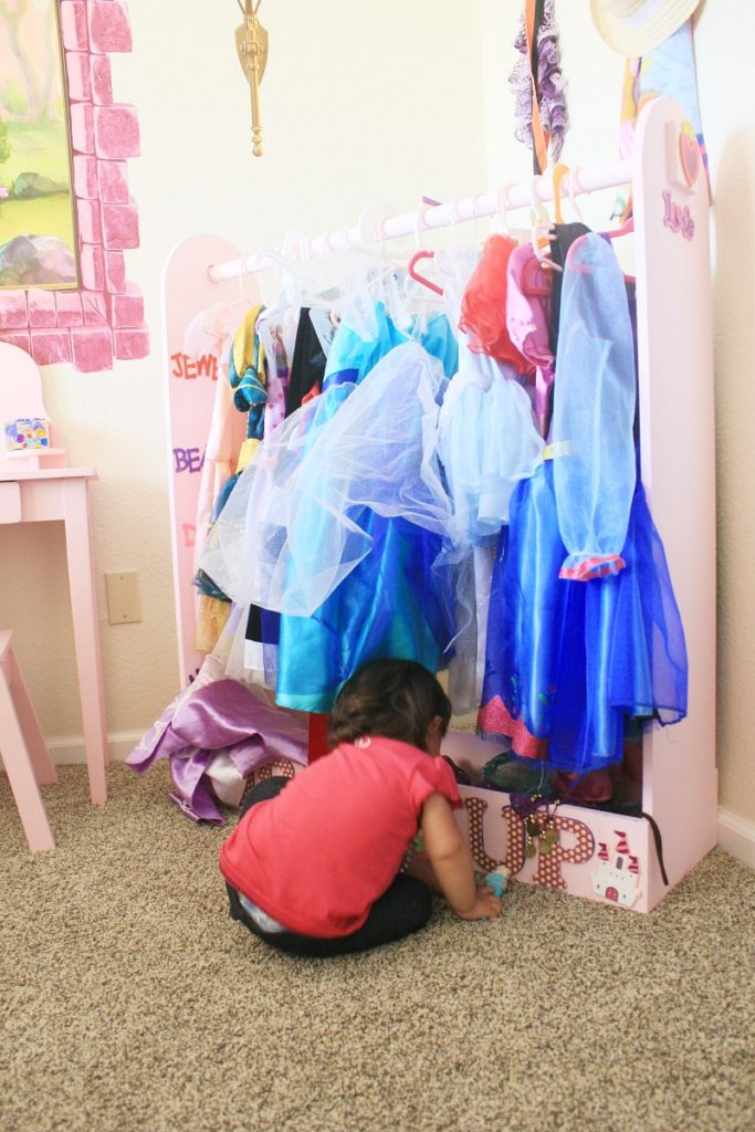 Dress-up dress display