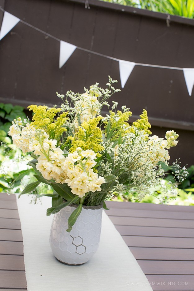 natural greens and yellows flowers