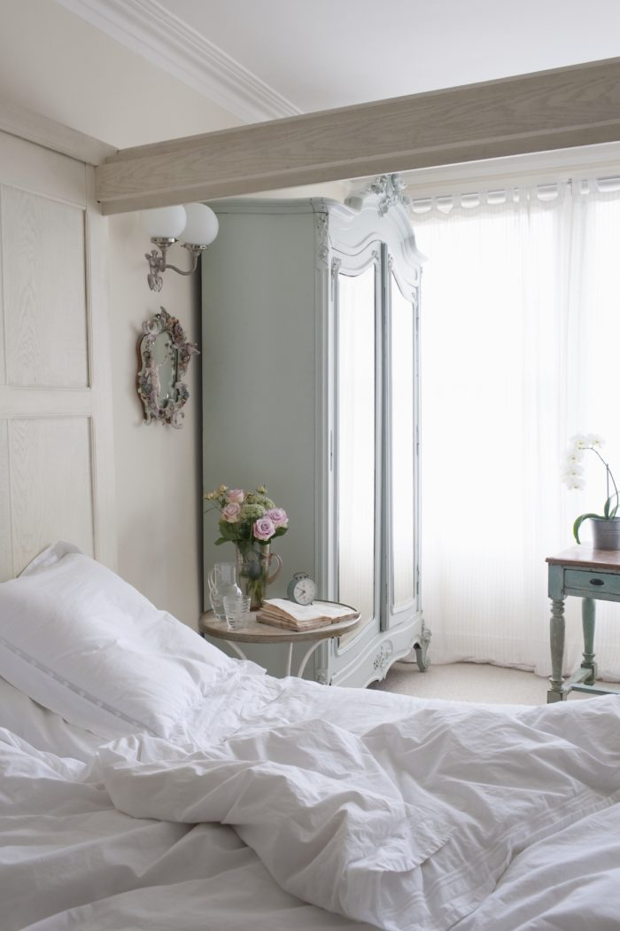 5 French Decor-Inspired Bedroom Styling Tips