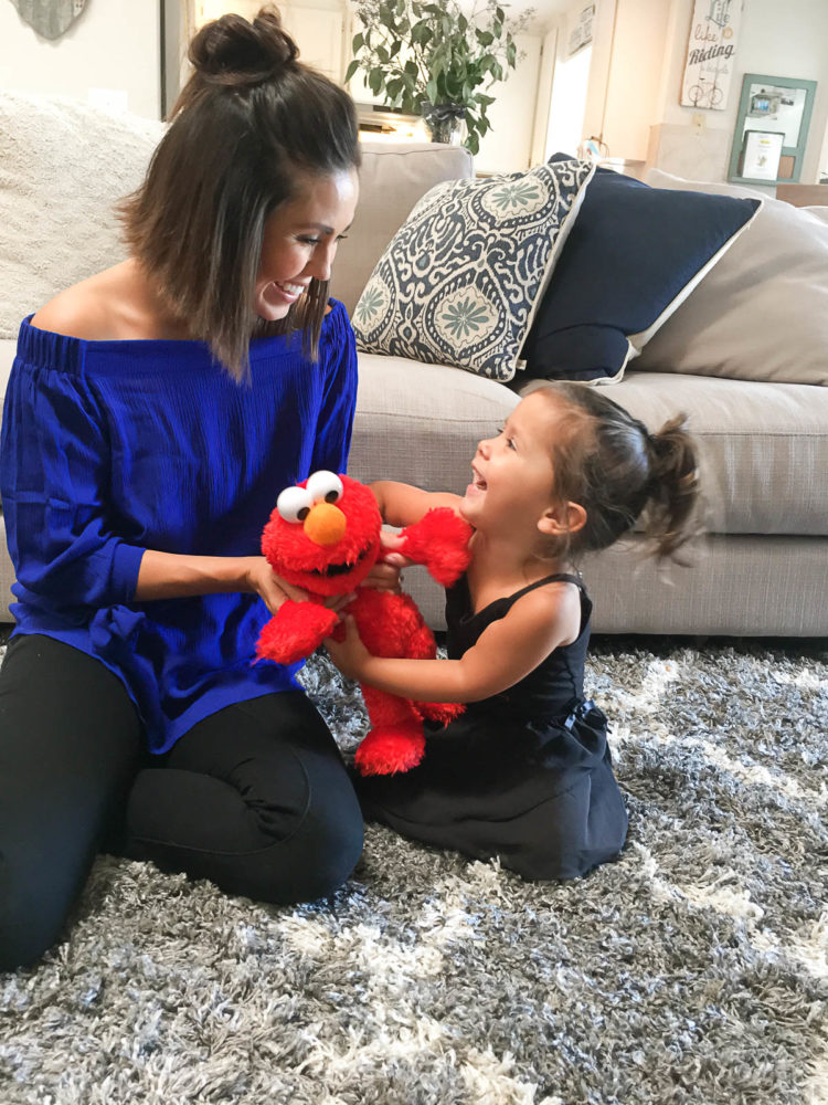 New 2017 Tickle Me Elmo Toy Review + Giveaway