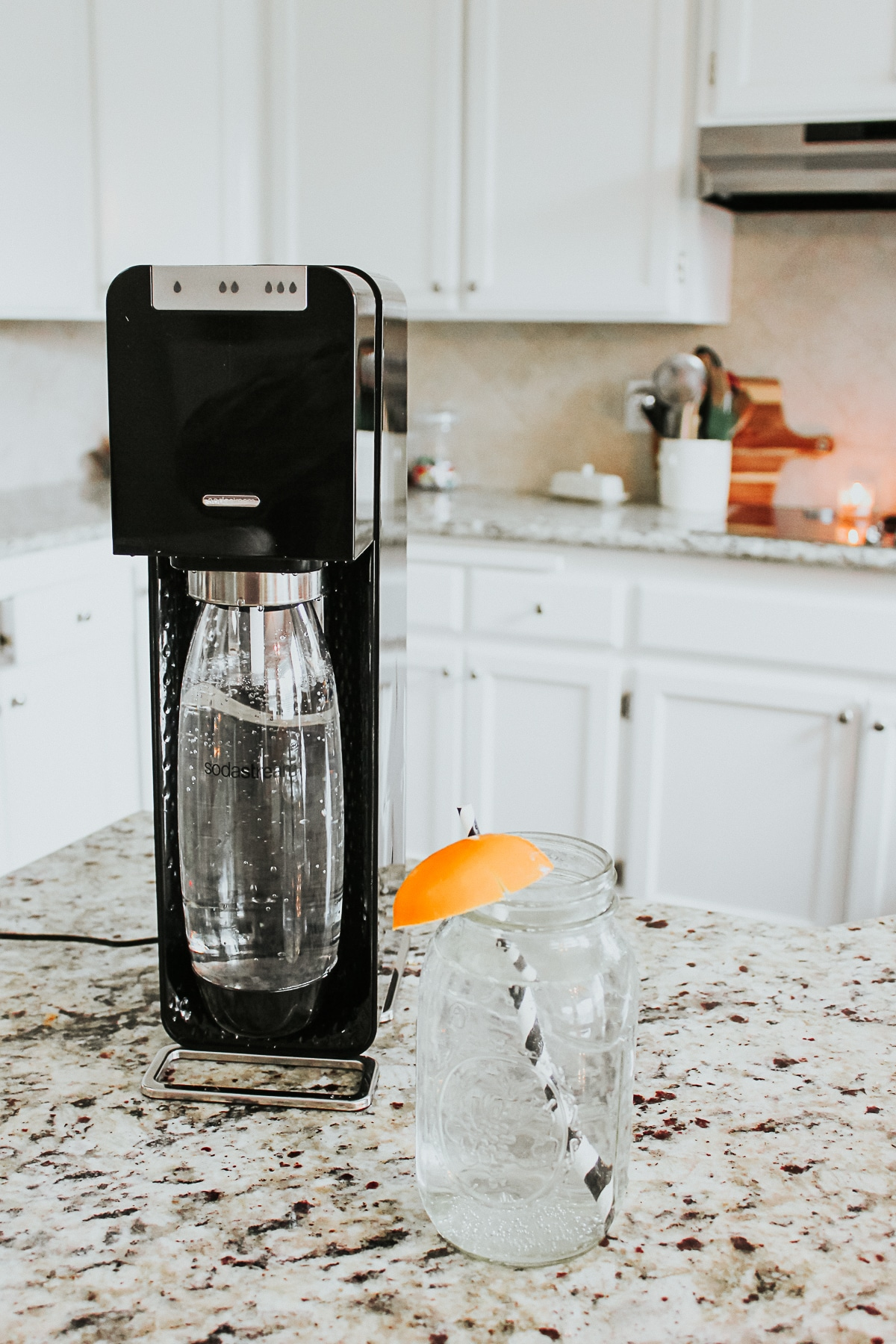 SodaStream Power Machine, with Lemon sparkling water - Sodastream Power Review